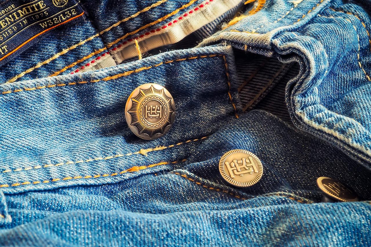 Classic blue: bycie modnym dawno nie było tak proste!