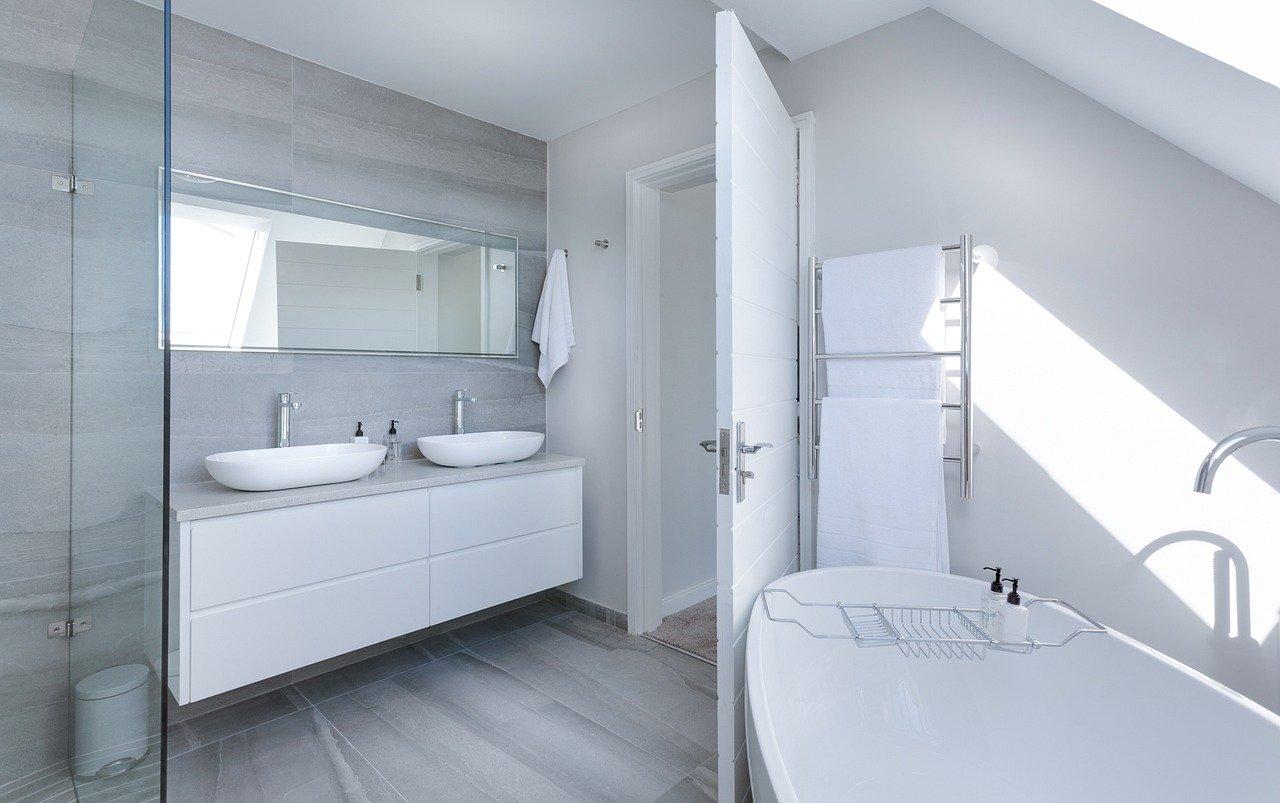 SANPLAST: Idealna łazienka dla osób starszych i niepełnosprawnych