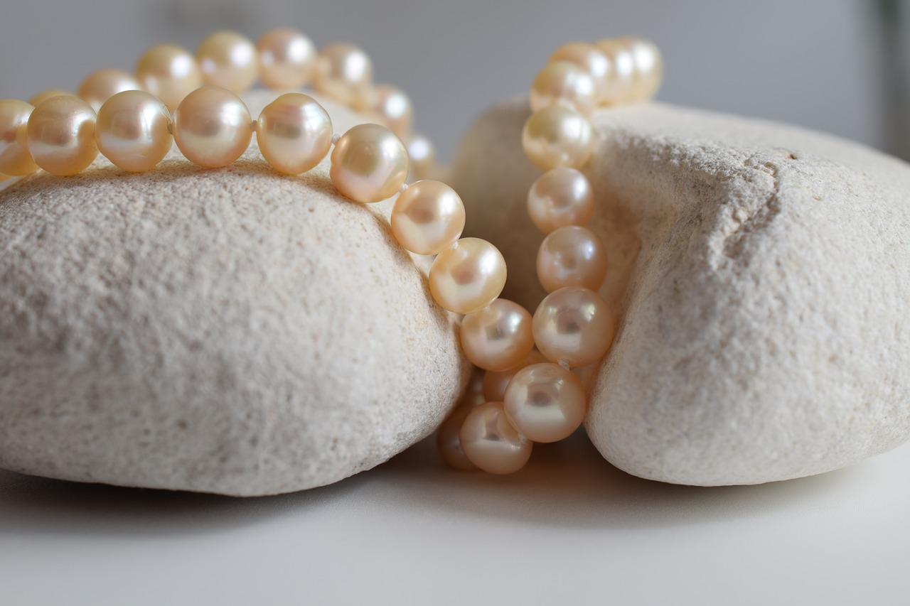 Must have jesieni: biżuteria inspirowana naturą
