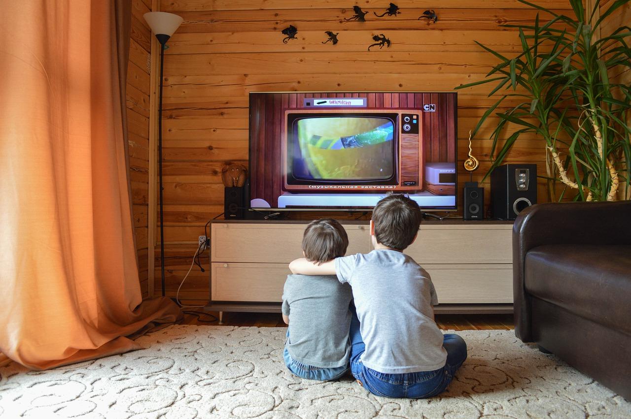 Telewizory OLED mogą się wypalić nawet w warunkach domowych. Producenci przyznają: klienci powinni podejmować pewne środki ostrożności