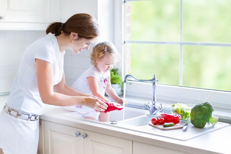 Uzdatnianie wody w domu pomocne przy wprowadzaniu nawyku picia wody
